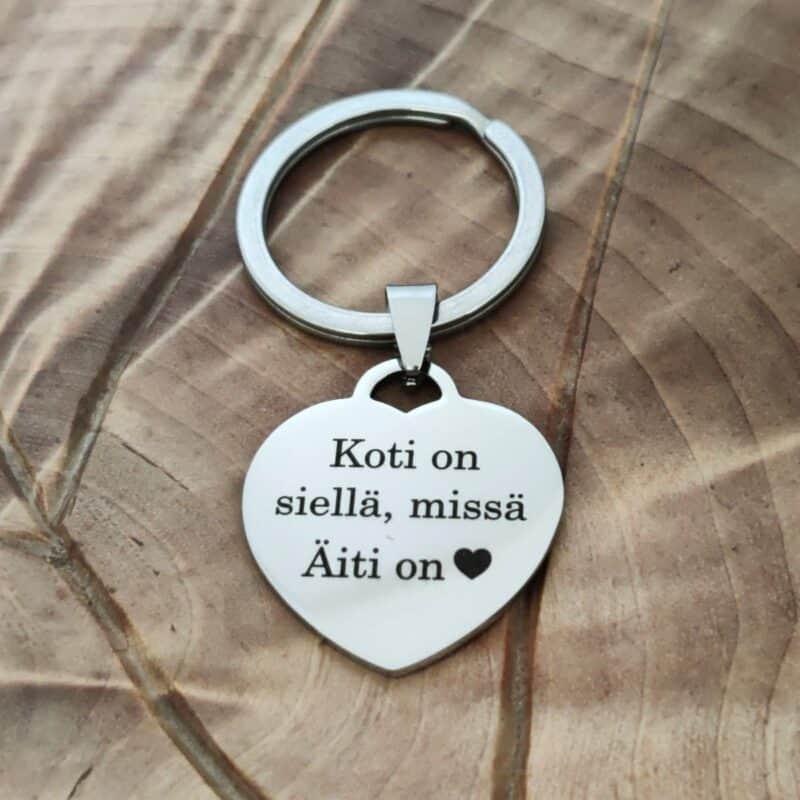 edullinen avaimenpera omalla tekstilla